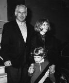 Benjamin Netanyahu with his wife Sara and their son Yair 1996
