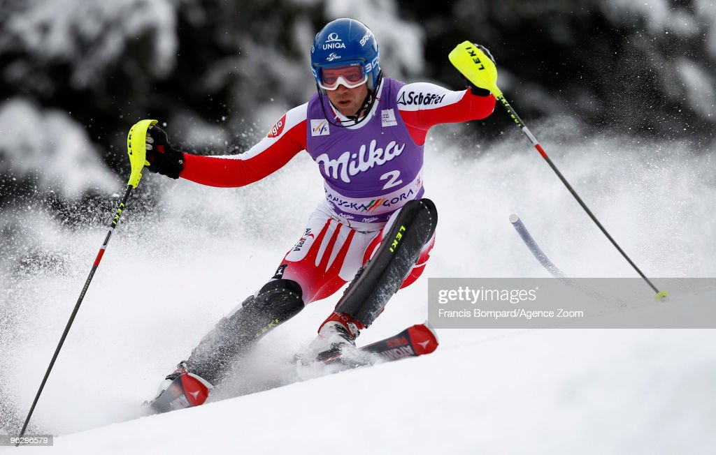 <a gi-track='captionPersonalityLinkClicked' href=/galleries/search?phrase=Benjamin+Raich&family=editorial&specificpeople=209244 ng-click='$event.stopPropagation()'>Benjamin Raich</a> of Austria skis during the Audi FIS Alpine Ski World Cup Men's Slalom on January 31, 2010 in Kranjska Gora, Slovenia.