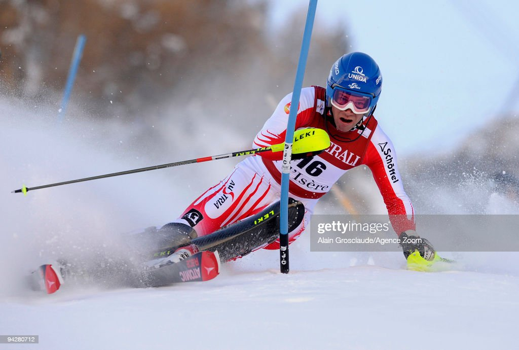 <a gi-track='captionPersonalityLinkClicked' href=/galleries/search?phrase=Benjamin+Raich&family=editorial&specificpeople=209244 ng-click='$event.stopPropagation()'>Benjamin Raich</a> of Austria takes 1st place during the Audi FIS Alpine Ski World Cup Men's Super Combined on December 11, 2009 in Val dÕIsere, France.