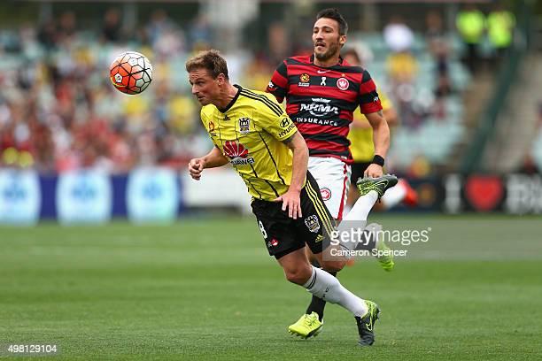 Benjamin Sigmund of the Phoenix heads the ball during the round seven ALeague match between Western Sydney Wanderers and Wellington Phoenix at Pirtek...