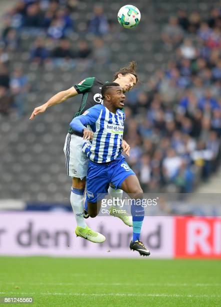 Benjamin Stambouli of FC Schalke 04 and Salomon Kalou of Hertha BSC during the game between Hertha BSC and Schalke 04 on october 14 2017 in Berlin...