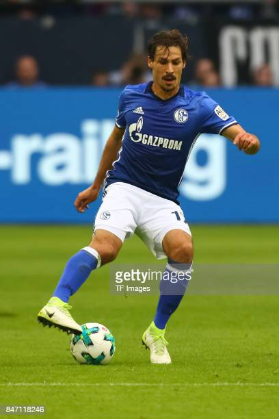 Benjamin Stambouli of Schalke controls the ball during the Bundesliga match between FC Schalke 04 and VfB Stuttgart at VeltinsArena on September 10...