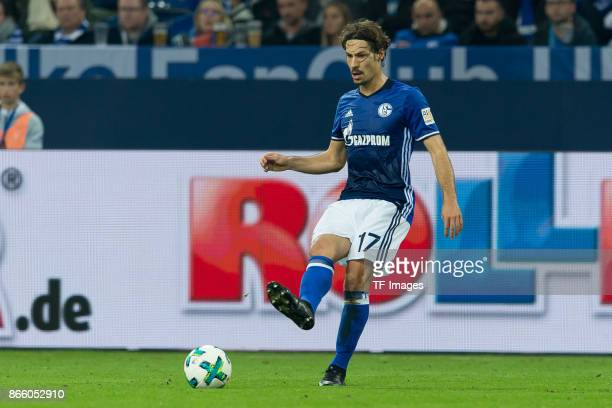 Benjamin Stambouli of Schalke controls the ball during the Bundesliga match between FC Schalke 04 and 1 FSV Mainz 05 at VeltinsArena on October 20...