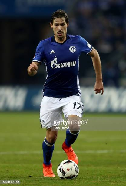 Benjamin Stambouli of Schalke runs with the ball during the Bundesliga match between FC Schalke 04 and TSG 1899 Hoffenheim at VeltinsArena on...