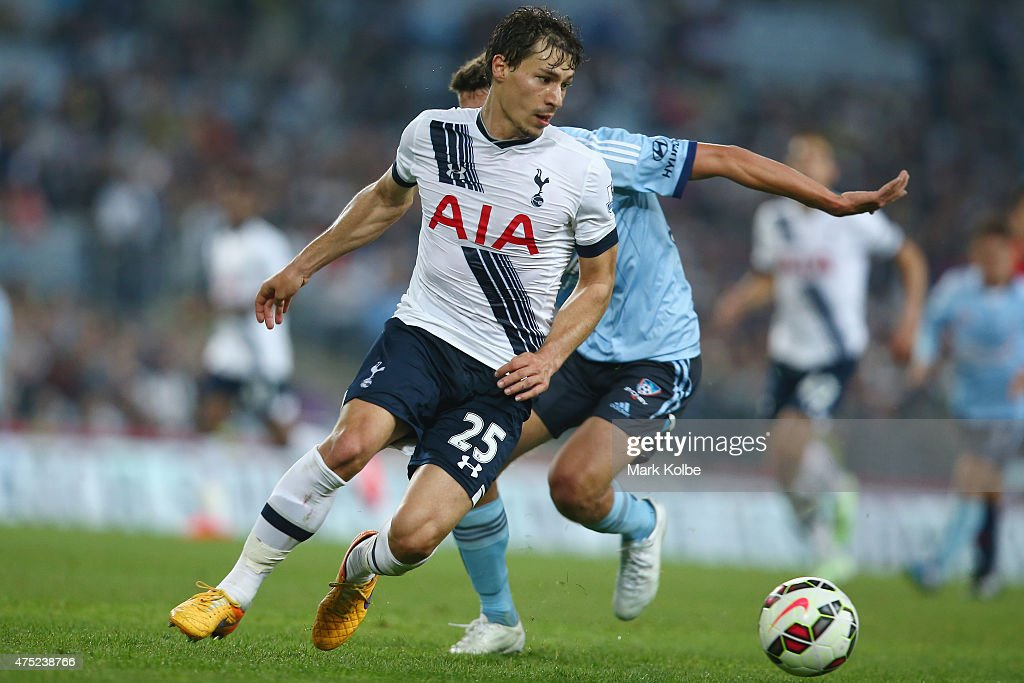 <a gi-track='captionPersonalityLinkClicked' href=/galleries/search?phrase=Benjamin+Stambouli&family=editorial&specificpeople=7133311 ng-click='$event.stopPropagation()'>Benjamin Stambouli</a> of Tottenham Hotspur runs with the ball during the international friendly match between Sydney FC and Tottenham Spurs at ANZ Stadium on May 30, 2015 in Sydney, Australia.