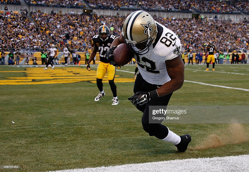 Benjamin Watson of the New Orleans Saints scores a second quarter touchdown against the Pittsburgh Steelers at Heinz Field on November 30 2014 in...