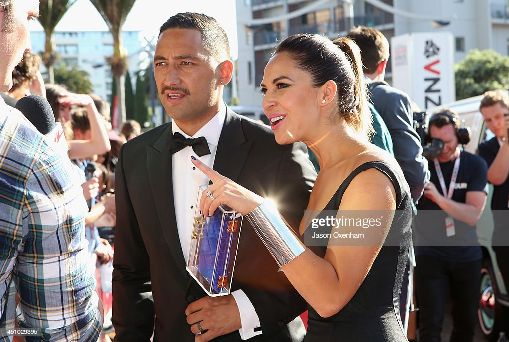 <a gi-track='captionPersonalityLinkClicked' href=/galleries/search?phrase=Benji+Marshall&family=editorial&specificpeople=215506 ng-click='$event.stopPropagation()'>Benji Marshall</a> and Zoe Marshall arrive at the New Zealand Music Awards at XXX on November 21, 2013 in Auckland, New Zealand.
