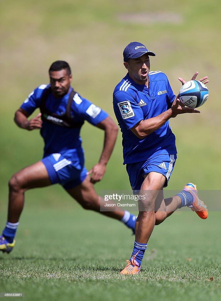 <a gi-track='captionPersonalityLinkClicked' href=/galleries/search?phrase=Benji+Marshall&family=editorial&specificpeople=215506 ng-click='$event.stopPropagation()'>Benji Marshall</a> during a Blues Super Rugby training session at Unitec on January 28, 2014 in Auckland, New Zealand.