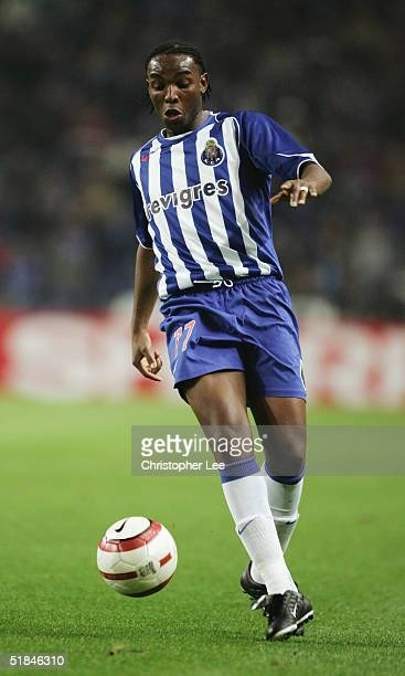 Benni McCarthy of Porto in action during the Champions League Group H match against FC Porto and Chelsea at the Estadio Do Dragao on December 7 2004...