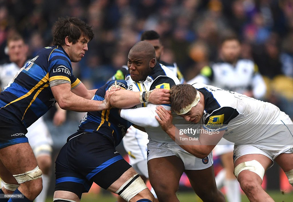 Beno Obano of Bath Rugby in action during the Aviva Premiership match between Worcester Warriors and Bath Rugby at Sixways Stadium on February 13, 2016 in Worcester, England. (Photo by Tom Dulat/Getty Images).