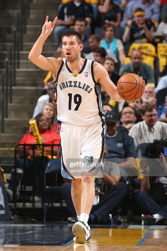 <a gi-track='captionPersonalityLinkClicked' href=/galleries/search?phrase=Beno+Udrih&family=editorial&specificpeople=202616 ng-click='$event.stopPropagation()'>Beno Udrih</a> #19 of the Memphis Grizzlies dribbles up the court while calling a play against the Oklahoma City Thunder in Game Six of the Western Conference Quarterfinals during the 2014 NBA Playoffs on MAY 3, 2014 at FedExForum in Memphis, Tennessee.