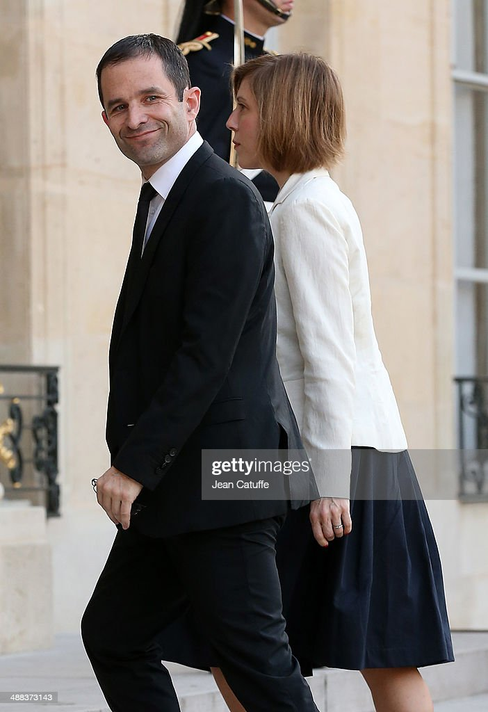 <a gi-track='captionPersonalityLinkClicked' href=/galleries/search?phrase=Benoit+Hamon&family=editorial&specificpeople=2143789 ng-click='$event.stopPropagation()'>Benoit Hamon</a>, french Minister of Education arrives at the State Dinner honoring Japanese Prime Minister at Elysee Palace on May 5, 2014 in Paris, France.
