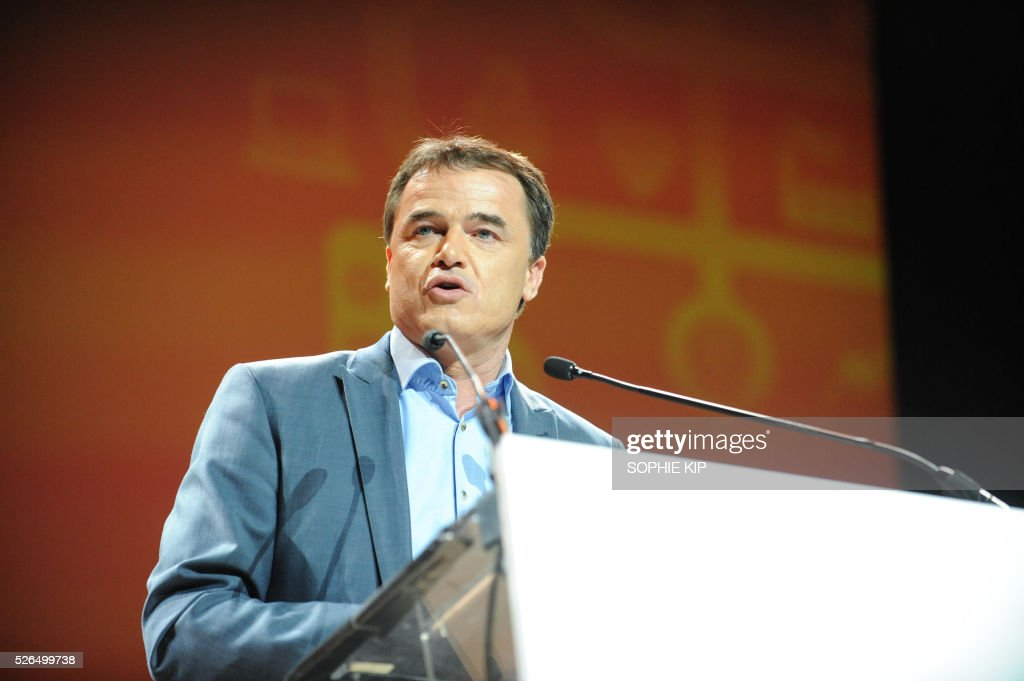 Benoit Lutgen, Chairman of Humanist Democratic Centre (Centre Democrate Humaniste - CDH) a Christan Democratic French-speaking political party in Belgium, delivers a speech at the CDH party congress on April 30, 2016, in Liege. / AFP / Belga / SOPHIE KIP / Belgium OUT