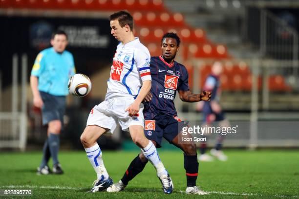 Benoit PEDRETTI / Stephane SESSEGNON Auxerre / PSG 1/4 de finale de Coupe de France Stade Abbe Deschamps Auxerre