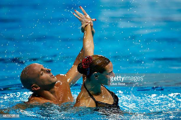 Benoit Yves Beaufils and Virginie Dedieu of France compete in the Mixed Duet Free Synchronised Swimming Final on day six of the 16th FINA World...