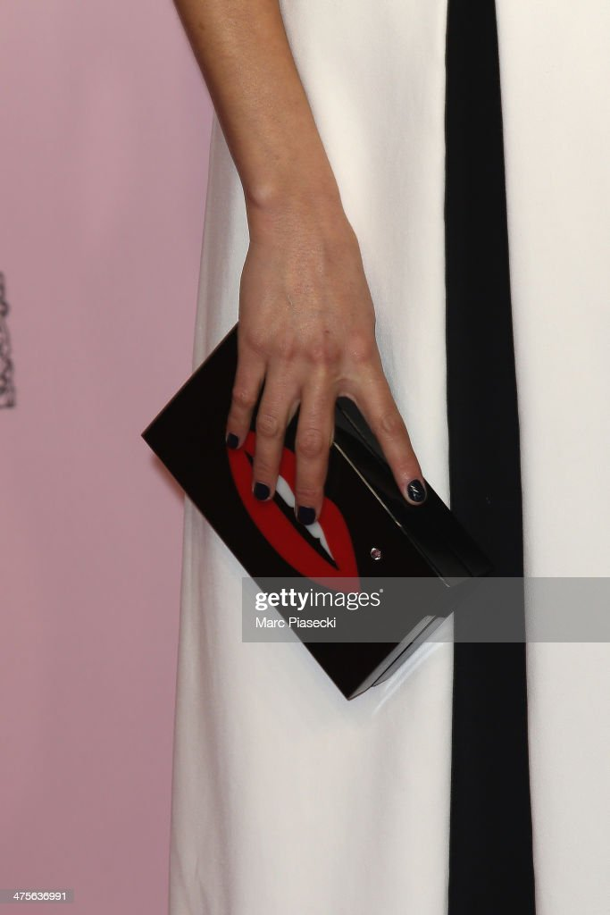 Berenice Bejo arrives for the 39th Cesar Film Awards 2014 at Theatre du Chatelet on February 28, 2014 in Paris, France.