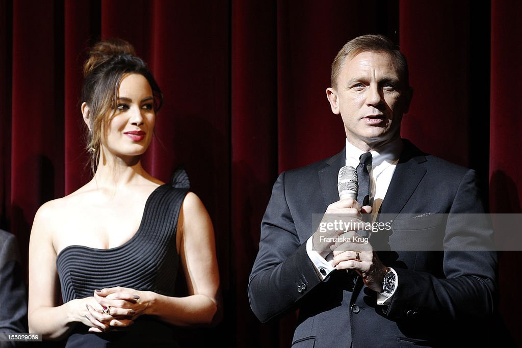 <a gi-track='captionPersonalityLinkClicked' href=/galleries/search?phrase=Berenice+Marlohe&family=editorial&specificpeople=6966628 ng-click='$event.stopPropagation()'>Berenice Marlohe</a> and Daniel Craig attend the 'Skyfall' Germany Premiere at Theater am Potsdamer Platz on October 30, 2012 in Berlin, Germany.