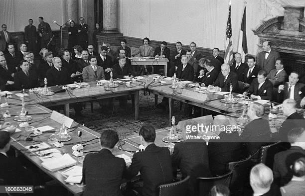 Berlin At The Time Of The Cold War A Berlin en 1954 à l'occasion d'une Conférence internationale assis au premierplan à gauche Andreï GROMYKO le...