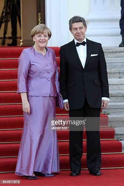 Berlin Besuch der Queen Elizabeth II Ankunft Staatsbankett im Schloss Bellevue Kanzlerin Angela Merckel und Joachim Sauer