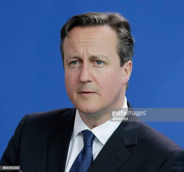 Berlin Bundeskanzleramt Empfang des britischen Premierministers Cameron mit militärischen Ehren durch BK'in Merkel FotoPremierminister David Cameron