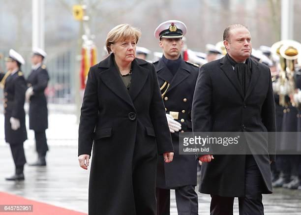 Berlin Bundeskanzleramt Empfang des maltesischen Ministerpräsidenten Muscat mit militärischen Ehren durch BK'in Merkel Foto Angela Merkel...