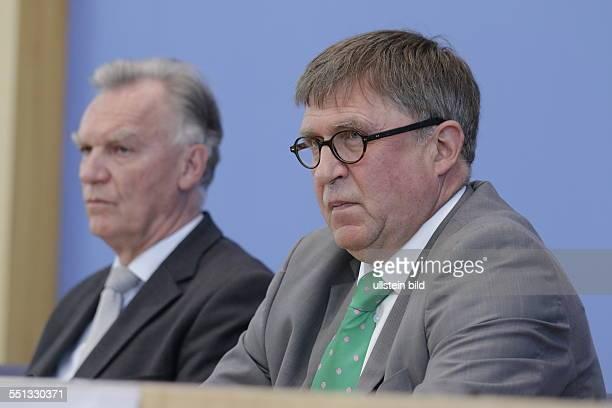 Berlin Bundespressekonferenz Thema Vorstellung der Zahlen kindlicher Gewaltopfer Auswertung der Polizeilichen Kriminalstatistik 2013 Foto Jörg...