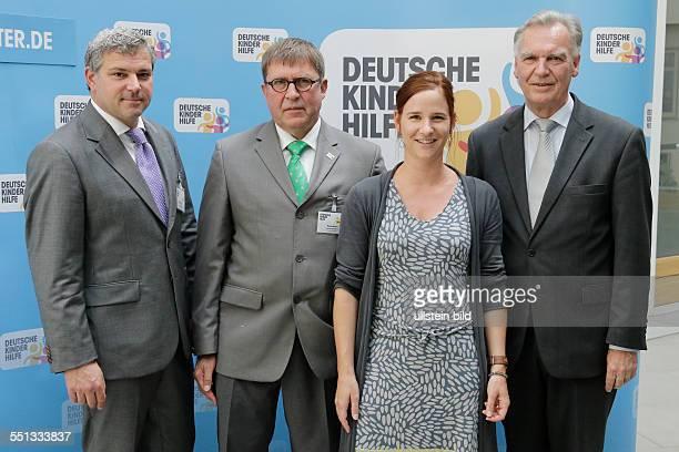 Berlin Bundespressekonferenz Thema Vorstellung der Zahlen kindlicher Gewaltopfer Auswertung der Polizeilichen Kriminalstatistik 2013 Foto Prof...