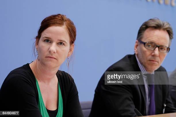 Berlin Bundespressekonferenz Thema Vorstellung der Zahlen kindlicher Gewaltopfer Auswertung der Polizeilichen Kriminalstatistik 2014 Foto Prof...
