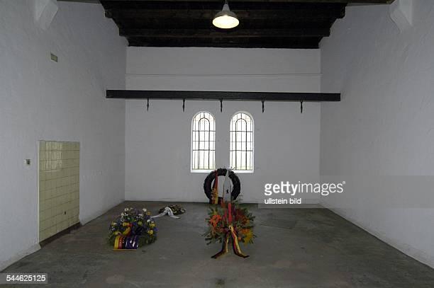 Berlin Charlottenburg Gedenkstaette Ploetzensee Ort der Hinrichtung von Widerstandskaempfern des 20 Juli 1944 Regimegegnern und...