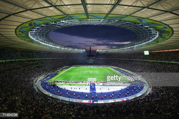 AFP PHOTO/PATRIK STOLLAA general view of Berlin's Olympiastadion taken during the World Cup 2006 final football game between Italy and France 09 July...