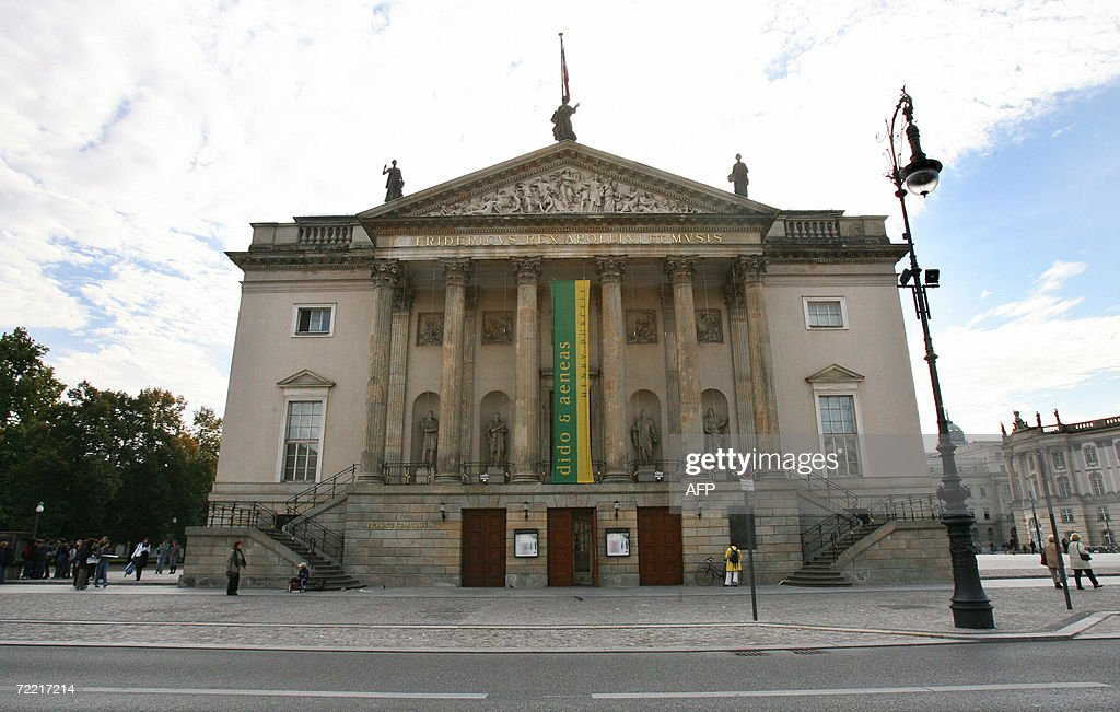 Exterior view taken 19 October 2006 shows the 'Deutsche Staatsoper' situated on the prestigious Unter den Linden avenue and which is one of Berlin's...