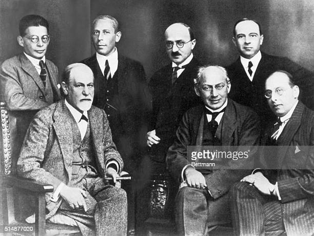 Sigmund Freud with the 'Committee' in Berlin Standing lr Otto Rank Karl Abraham Max Eitingen Ernest Jones seated Freud Sandor Ferenczi Hanns Sachs...