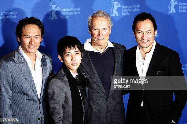 US actor and director Clint Eastwood poses with Japanese actors Tsuyoshi Ihara Kazunari Ninomiya and Ken Watanabe during the photocall for the movie...