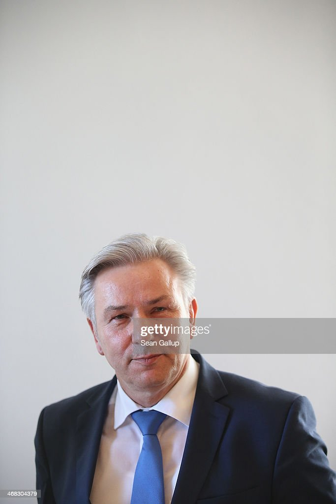 Berlin Mayor Klaus Wowereit arrives for a session of the Legal Commission of the Berlin city parliament on February 10 2014 in Berlin Germany The...