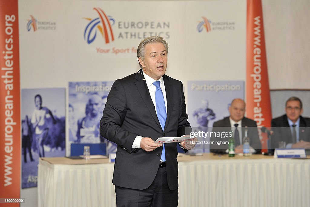 Berlin Mayor <a gi-track='captionPersonalityLinkClicked' href=/galleries/search?phrase=Klaus+Wowereit&family=editorial&specificpeople=213527 ng-click='$event.stopPropagation()'>Klaus Wowereit</a> presents the Berlin bid for the 2018 European Athletics Championships during the European Athletics event allocations as part the European Athletics council meeting on November 2, 2013 in Zurich, Switzerland.