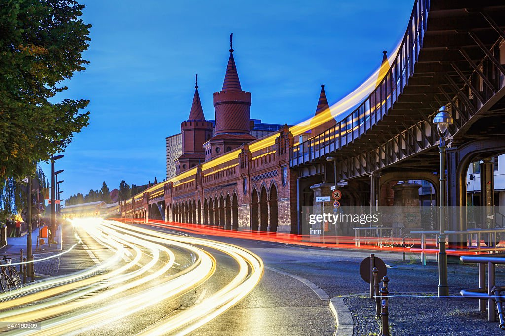 Berlin, Oberbaumbrücke at rush hour