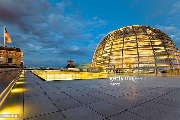 Berliner Reichstag Dome bei Nacht