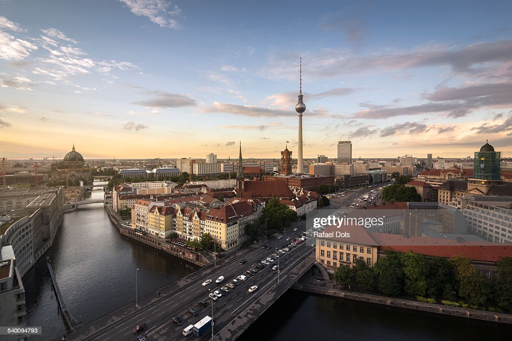 berlin skyline at sunset on a summer day stock foto getty images. Black Bedroom Furniture Sets. Home Design Ideas