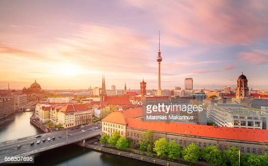berlin skyline summer panorama stock foto getty images. Black Bedroom Furniture Sets. Home Design Ideas