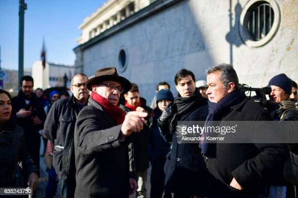 Berlinale director Dieter Kosslick poses with actors actresses jury members and delegates in front of the Berlin wall in protest against barriers and...