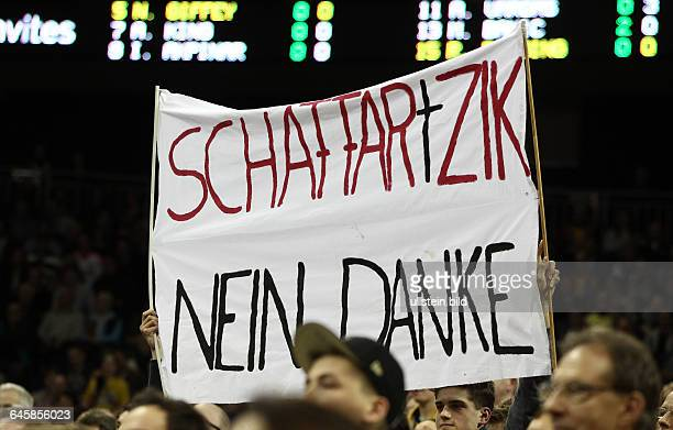Berliner Fanplakat gegen Heiko Schaffartzik nein Danke Sport Basketball BBL Bundesliga Herren DBB Pokal Qualifikation Saison 2014 ALBA Berlin vs FC...