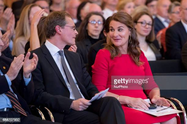 Berlin's Mayor Michael Mueller and award winning Melinda Gates are pictured during the OttoHahn Peace Medal awarding ceremony at the town hall in...