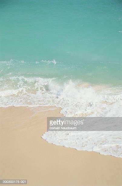 Bermuda, Warwick Long Bay, surf on pink sand beach