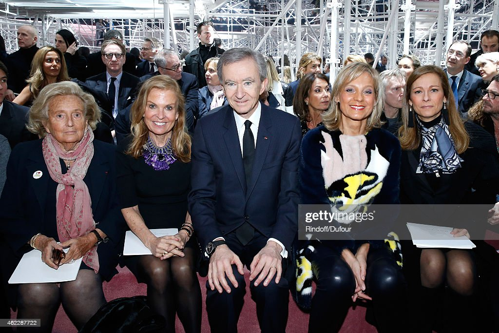 <a gi-track='captionPersonalityLinkClicked' href=/galleries/search?phrase=Bernadette+Chirac&family=editorial&specificpeople=206432 ng-click='$event.stopPropagation()'>Bernadette Chirac</a>, Ambassador of USA in France, <a gi-track='captionPersonalityLinkClicked' href=/galleries/search?phrase=Jane+D.+Hartley&family=editorial&specificpeople=13755383 ng-click='$event.stopPropagation()'>Jane D. Hartley</a>, Owner of LVMH Luxury Group <a gi-track='captionPersonalityLinkClicked' href=/galleries/search?phrase=Bernard+Arnault&family=editorial&specificpeople=214118 ng-click='$event.stopPropagation()'>Bernard Arnault</a>, his wife Helene Arnault and Violonist <a gi-track='captionPersonalityLinkClicked' href=/galleries/search?phrase=Anne+Gravoin&family=editorial&specificpeople=8536985 ng-click='$event.stopPropagation()'>Anne Gravoin</a> attend the Christian Dior show as part of Paris Fashion Week Haute Couture Spring/Summer 2015 on January 26, 2015 in Paris, France.