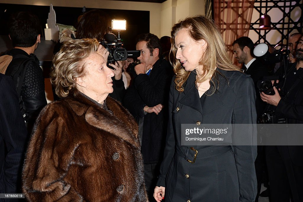 <a gi-track='captionPersonalityLinkClicked' href=/galleries/search?phrase=Bernadette+Chirac&family=editorial&specificpeople=206432 ng-click='$event.stopPropagation()'>Bernadette Chirac</a> and French First Lady <a gi-track='captionPersonalityLinkClicked' href=/galleries/search?phrase=Valerie+Trierweiler&family=editorial&specificpeople=8534231 ng-click='$event.stopPropagation()'>Valerie Trierweiler</a> attend 'Esprit Dior, Miss Dior' Exhibition Opening in Galerie Courbe at Grand Palais on November 12, 2013 in Paris, France.