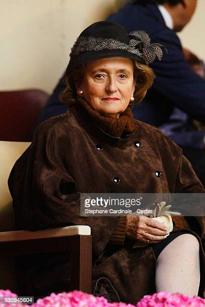 Bernadette Chirac attends a display at the 'Cadre Noir' National Equestrian School in the presence of the Queen