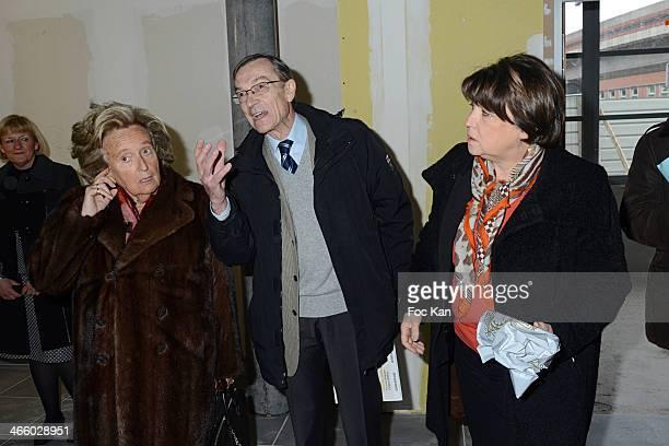 Bernadette Chirac professor Bernard Delcambre from MFH association and Martine Aubry attend the 25th Anniversary of Pieces Jaunes Bernadette Chirac's...