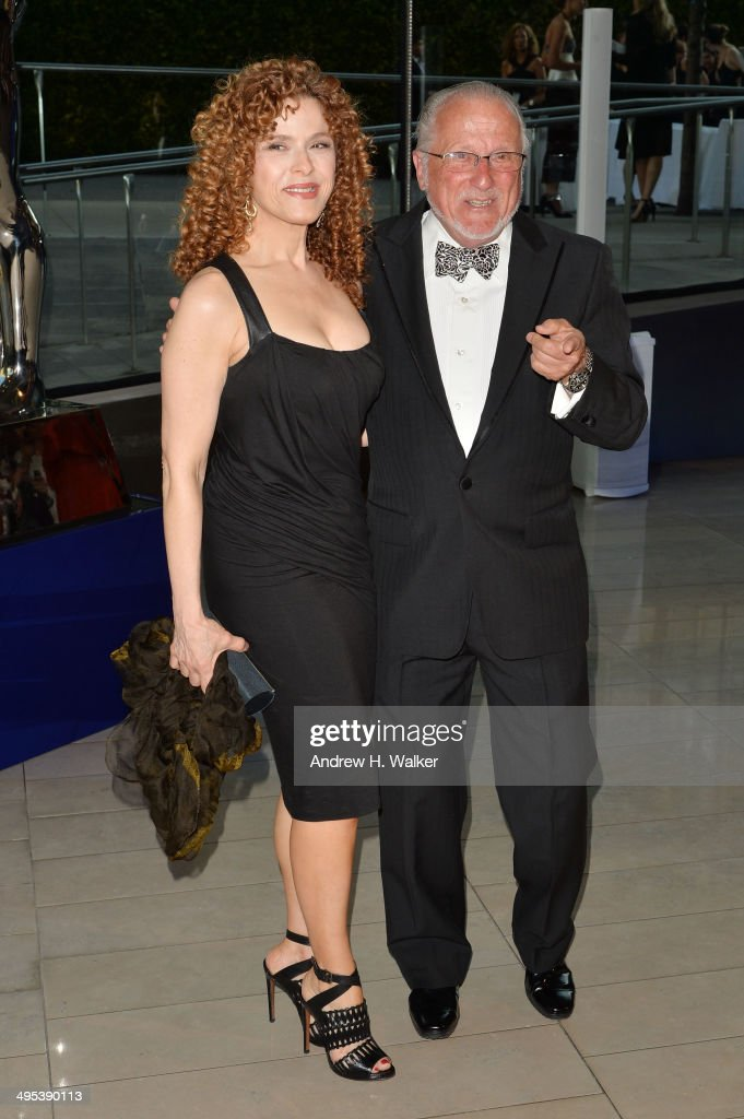 <a gi-track='captionPersonalityLinkClicked' href=/galleries/search?phrase=Bernadette+Peters&family=editorial&specificpeople=203332 ng-click='$event.stopPropagation()'>Bernadette Peters</a> (R) and <a gi-track='captionPersonalityLinkClicked' href=/galleries/search?phrase=Stan+Herman&family=editorial&specificpeople=234800 ng-click='$event.stopPropagation()'>Stan Herman</a> attend the 2014 CFDA Fashion Awards at Alice Tully Hall, Lincoln Center on June 2, 2014 in New York City.