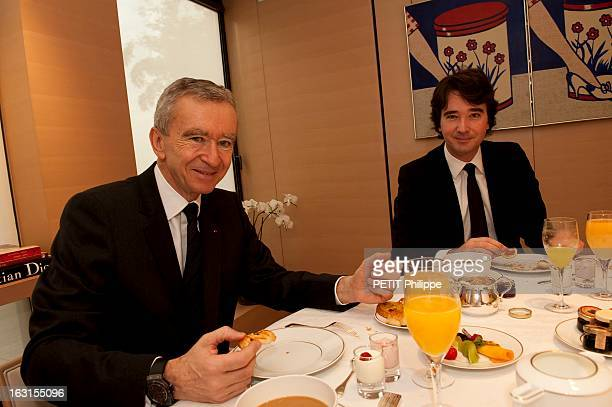 Bernard Arnault And Son Antoine At The Lvmh Headquarters In Paris Paris lundi 30 mars 2009 Bernard ARNAULT de retour du Japon prenant le petit...