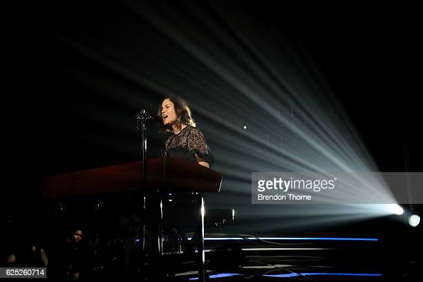 Bernard Fanning performs on stage with Missy Higgins during the 30th Annual ARIA Awards 2016 at The Star on November 23 2016 in Sydney Australia